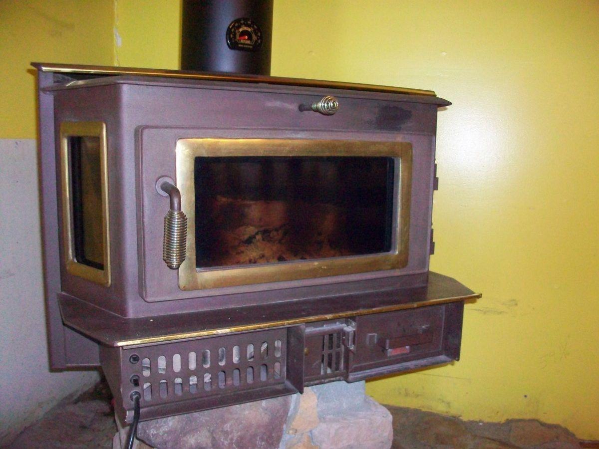 100_2409.jpg - Older Appalachian 52 Wood Stove