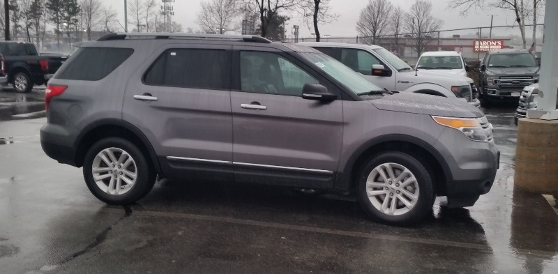 2014 Ford Explorer XLT on lot.jpg