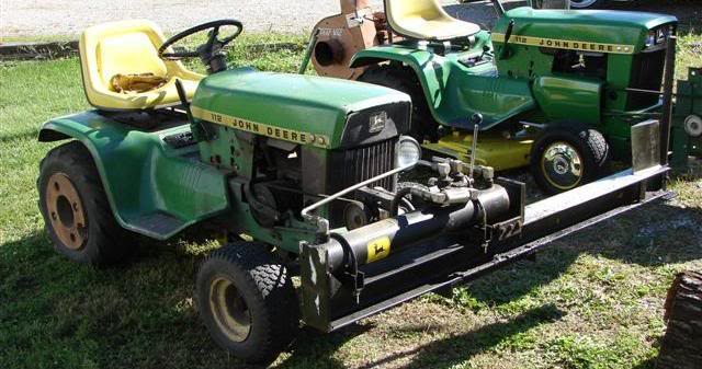 A John Deere 110 And A Log Splitter It S A Beautiful Thing