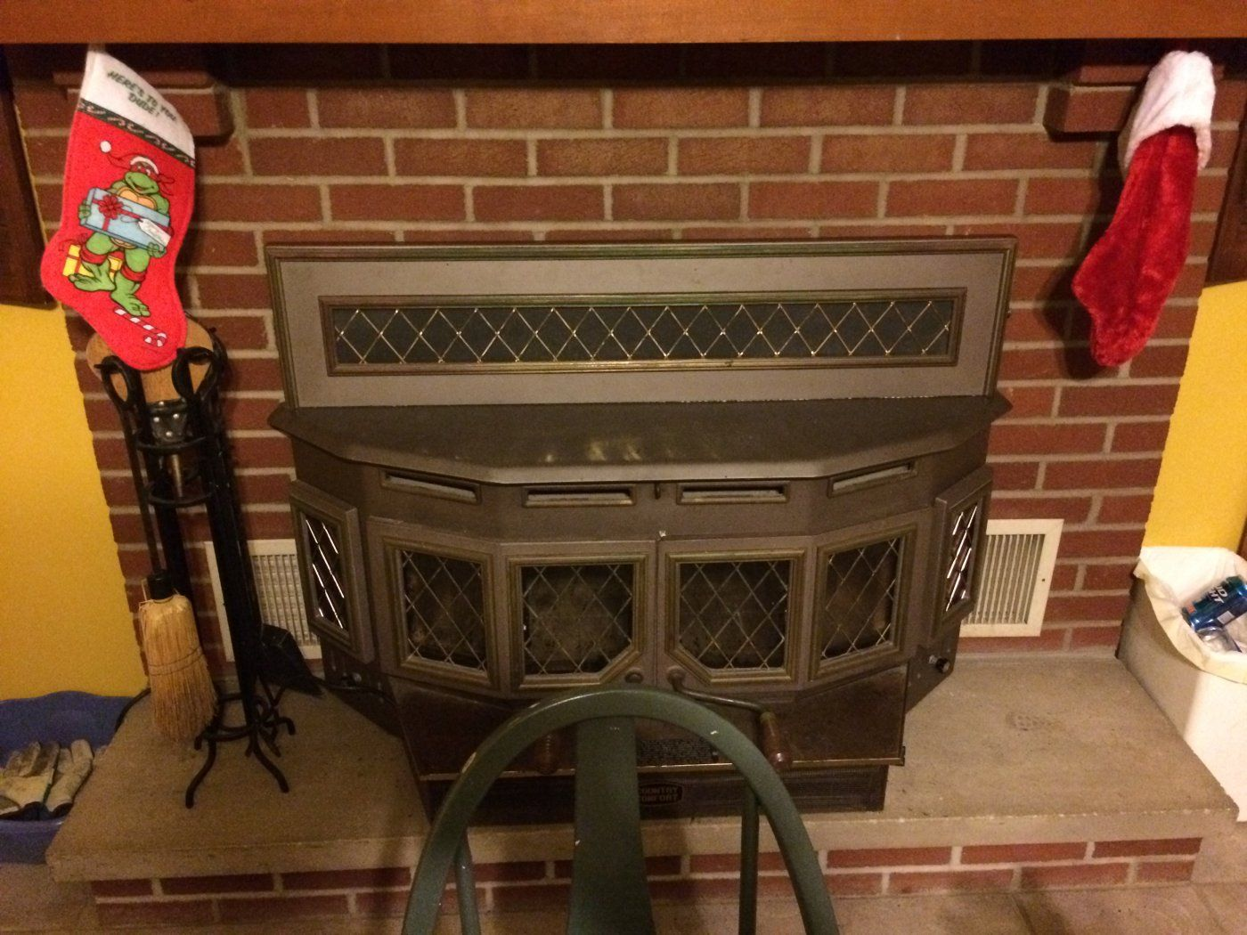 Below is a quick picture of the stove. I can take to top cover off and show  a picture of the flue opening on the stove if that would be of help. - Country Comfort Insert Drafting Questions Hearth.com Forums Home