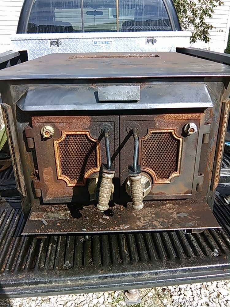 anyone know what kind of stove this is?   Hearth.com Forums Home