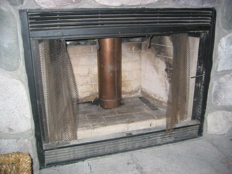 Need Help Identifying Fireplace Insert in my New to me Home