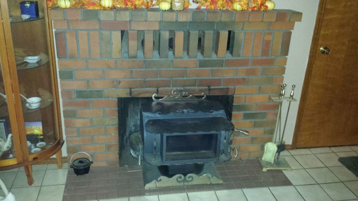 This is the setup I have now. that stove came with the house and is not  properly installed. It puts out tons of heat. but only lasts for 3hrs on a  load. - Wood Insert Burn Times Hearth.com Forums Home