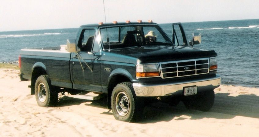 truck on beach w water 01.jpg